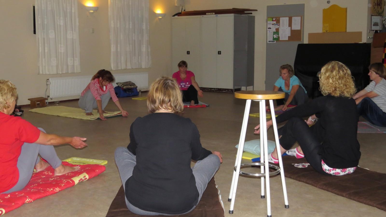 Yoga 2013d0917t0929 qzh ZoetermeerS Gaardedreef (Patio)